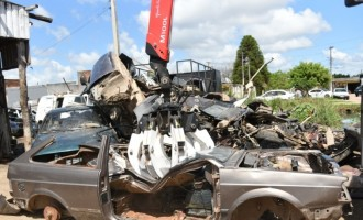 OPERAÇÃO DESMANCHE : Polícia fecha estabelecimentos e recolhe 60 toneladas de sucata