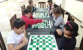 Sociedade de Assistência  Escolar oferece cursos