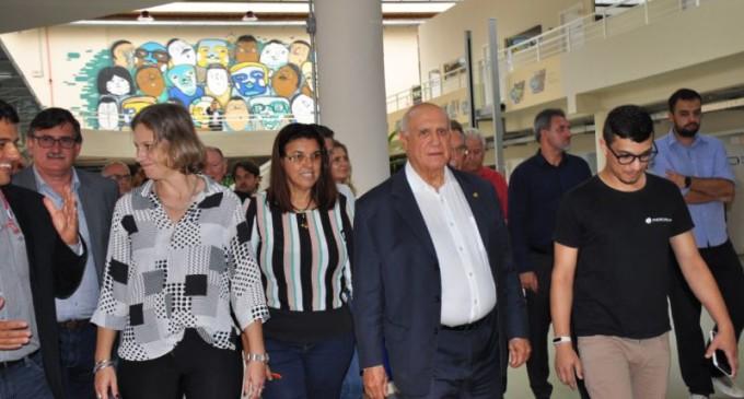 Senador Lasier visita Parque Tecnológico
