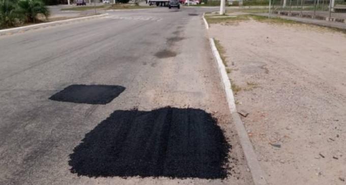 Recuperação do asfalto na Av. Fernando Osório