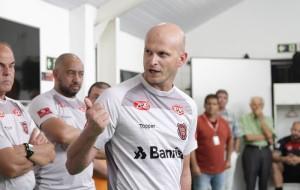 Técnico avançou fases de Copa do Brasil, mas desempenho no Gauchão foi considerado aquém