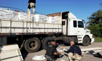 FLAGRANTE : PRF encontra carregamento com 32 quilos de cocaína