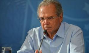 Ministro propõe ainda a suspensão de reajustes a servidores