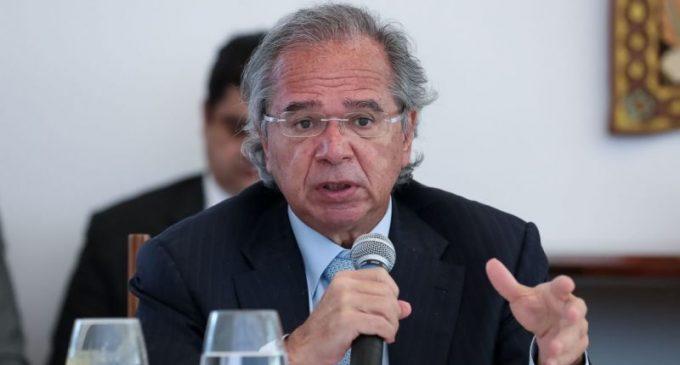 Auxílio emergencial pode ser renovado se pandemia continuar, diz Paulo Guedes