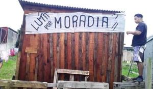 """""""Nova Coruja"""" foi área ocupada por 63 famílias durante seis meses"""