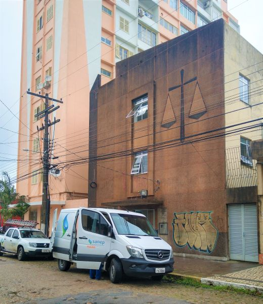 IMÓVEL fica na rua Lobo da Costa entre Almirante Barroso e Alberto Rosa