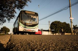 Ônibus municipais urbanos e rurais devem circular com 50% da capacidade total.