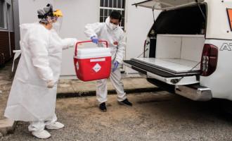 Pelotas tem equipe própria para transporte de exames Covid para o Lacen