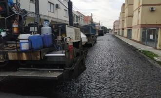 Trechos das ruas Voluntários e Bento Martins recebem asfalto