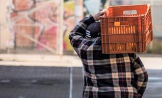 Intenção de consumo das famílias continua em queda