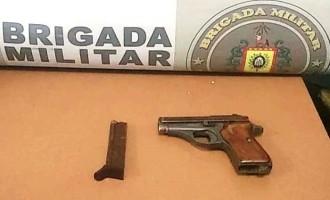 BRIGADA :  Trio é preso pelo porte ilegal de arma