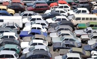 DetranRS oferta 550 veículos e sucatas em leilão virtual