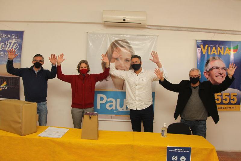 A prefeita Paula Mascarenhas foi aprovada nesta terça-feira (15), por unanimidade, na convenção do PSDB de Pelotas, para concorrer à reeleição.
