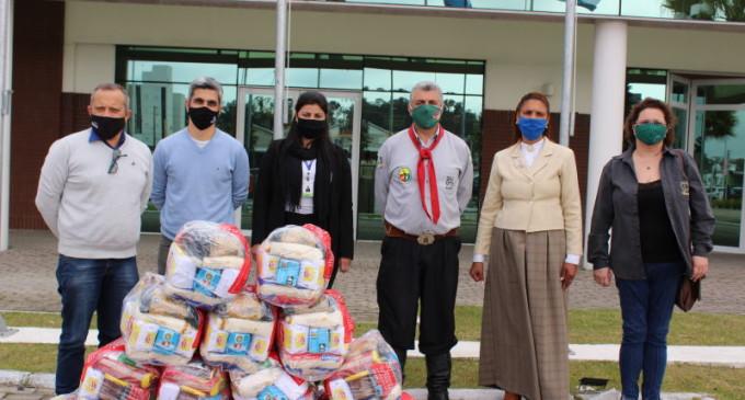 26ª RT E SHOPPING PELOTAS  :  Doações da 4º Gincana Tradicionalista pela Paz são entregues