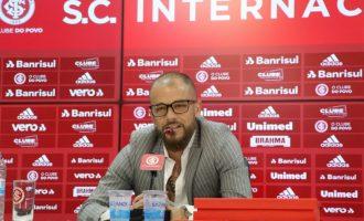 D'Alessandro anuncia último mês com Internacional
