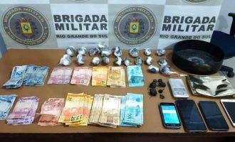 BRIGADA : Traficantes são presos com cocaína