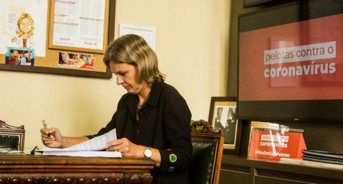 Prefeita sanciona oito leis do Legislativo municipal