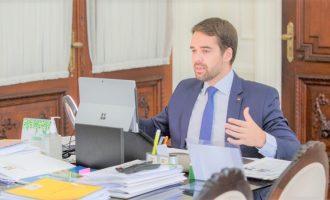 Governo se manifesta sobre a questão das aulas presenciais