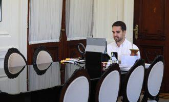 REUNIÃO COM PREFEITOS   : Governador quer fiscalização reforçada para liberar atividades