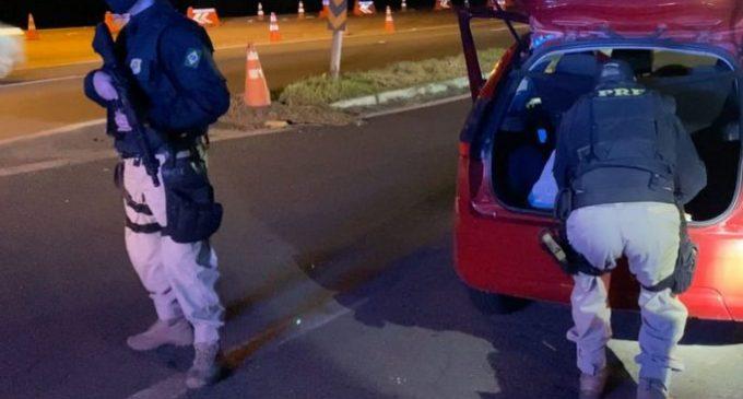 PRF intercepta comboio de carros  transportando quase 200Kg de maconha em Pelotas