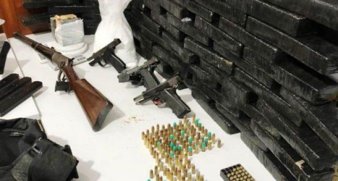 Polícia Civil apreende drogas,  explosivos e armamento