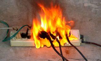 Sobrecarga na rede elétrica causa mais de 50% dos incêndios domésticos