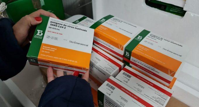 Com novo lote da AstraZeneca, Estado avança na vacinação de comorbidades
