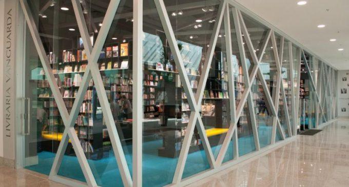 Livraria Vanguarda do Shopping Pelotas recebe exposição artística durante o mês de junho