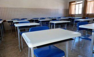 Pandemia faz aumentar número de alunos que podem abandonar estudos