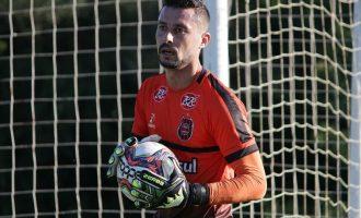 Matheus Nogueira salva em Londrina e mantém boa tradição de goleiros no Xavante