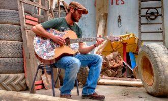 """MÚSICA : Noite de blues no espaço  """"Bloco"""" bar, tatoo e arte"""