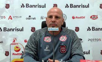 COMUM ACORDO : Cléber Gaúcho deixa comando técnico do Brasil