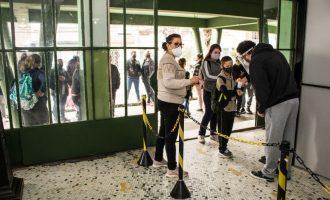 Estudantes retornam às aulas no Colégio Pelotense