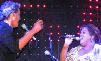 MÚSICA  : Show acústico reúne  Carise Santos e Dija